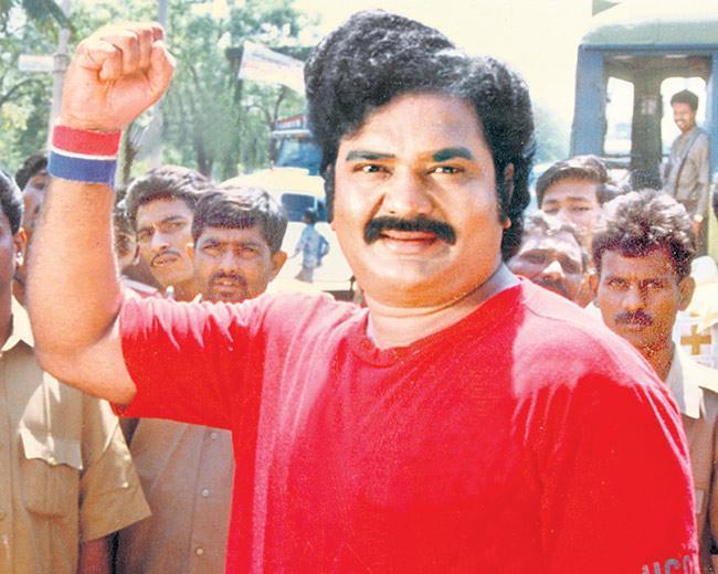 ஆந்திரப் புரட்சி நடிகர்  'ரெட் ஸ்டார்' மாதலா ரங்காராவ் மரணமடைந்தார்.